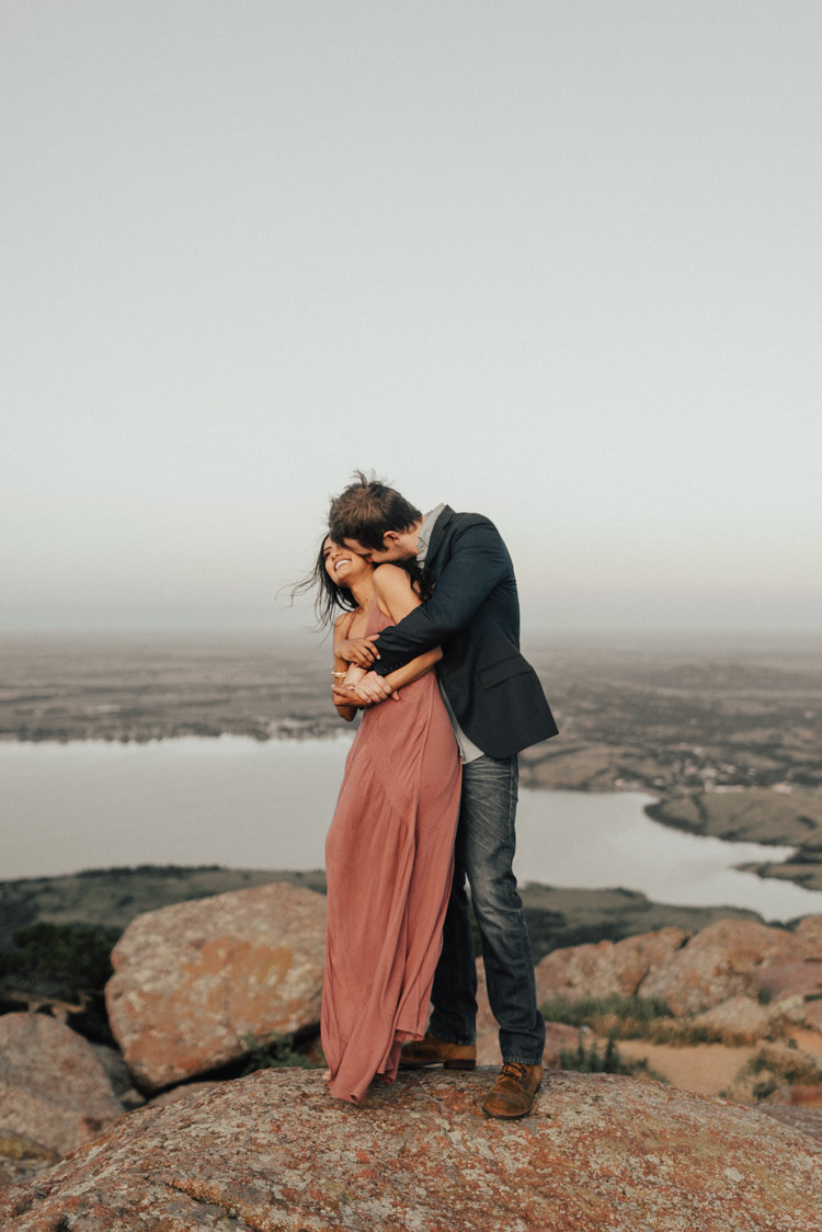 哪一件事是让你决定对方可以托付终身?︱与其说爱是托付终身,不如说是一起共度人生。