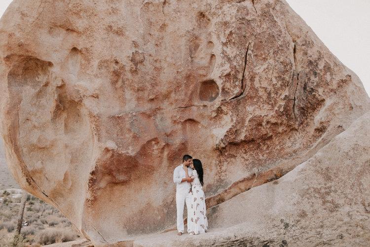 TODD + ELENA - DESERT LOVE SESSION