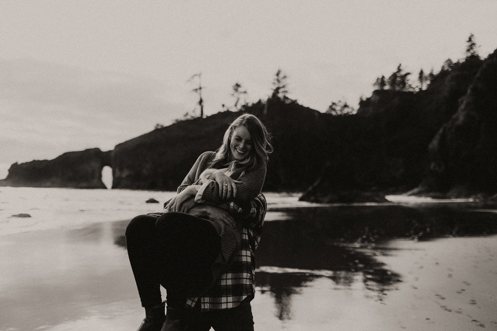 La_Push_Washington_Coast_Engagement-17.jpg
