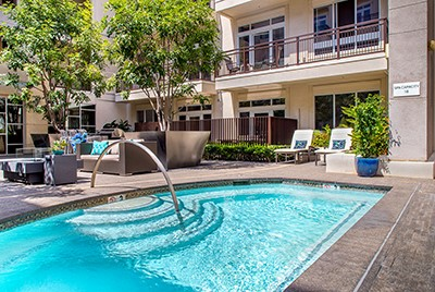 Beautiful LA area hotel on sale now through EnjoyVacationing.com