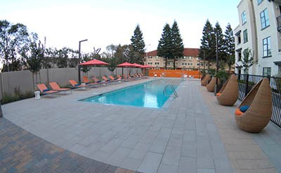Beautiful Mountain View CA hotel on sale now through EnjoyVacationing.com