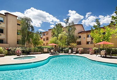 Beautiful Sunnyvale CA hotel on sale now from EnjoyVacationing.com