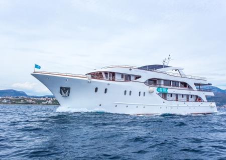 ship7 - croatia.jpg