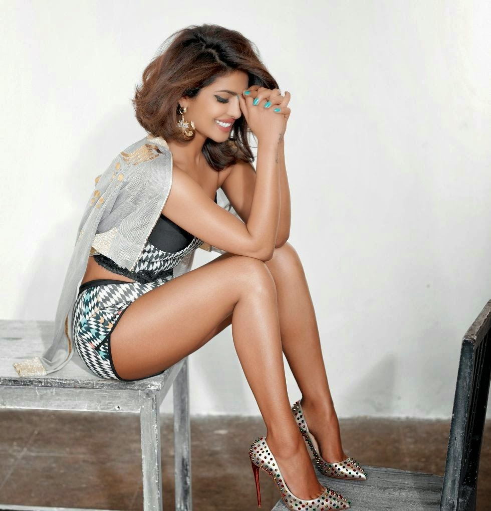 Priyanka Chopra hot photoshoot cosmopolitan india magazine 2015 (1).jpg
