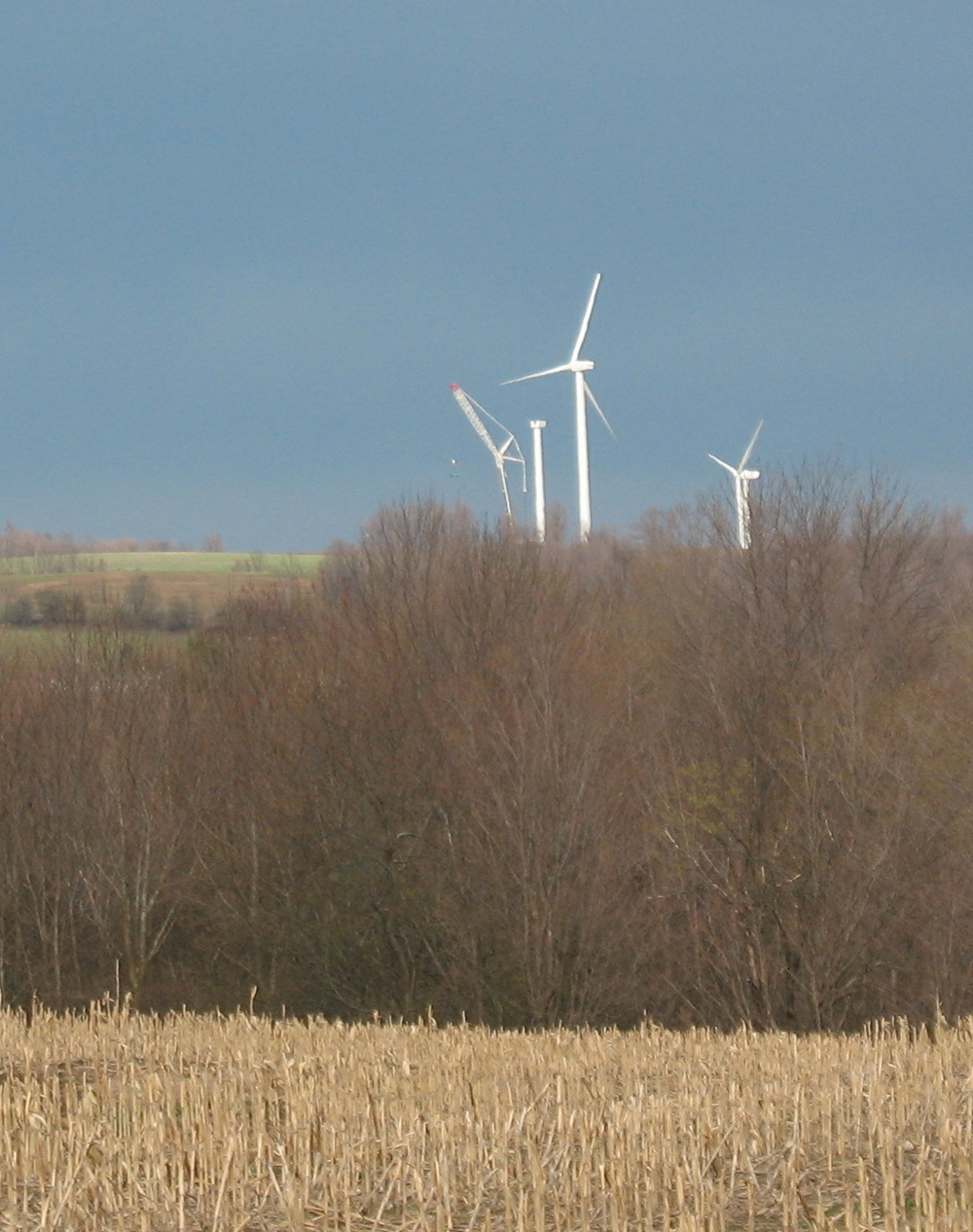 Changing-Windmill-Blades.jpg