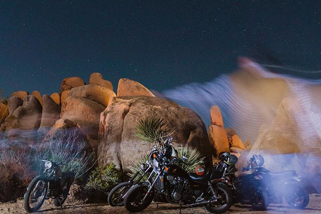 The only thing better than motorcycles under a Joshua Tree sky is all the amazing humans gathered to celebrate each other's creativity and passion for quality handcrafted goods at an event called @desertanddenim. I'm announcing to the universe that I want to be a part of this community!  @crawlonwetdirt  Can I teach a photo workshop!? Maybe partner with @brandonscottherrel.  pleeeeeease.