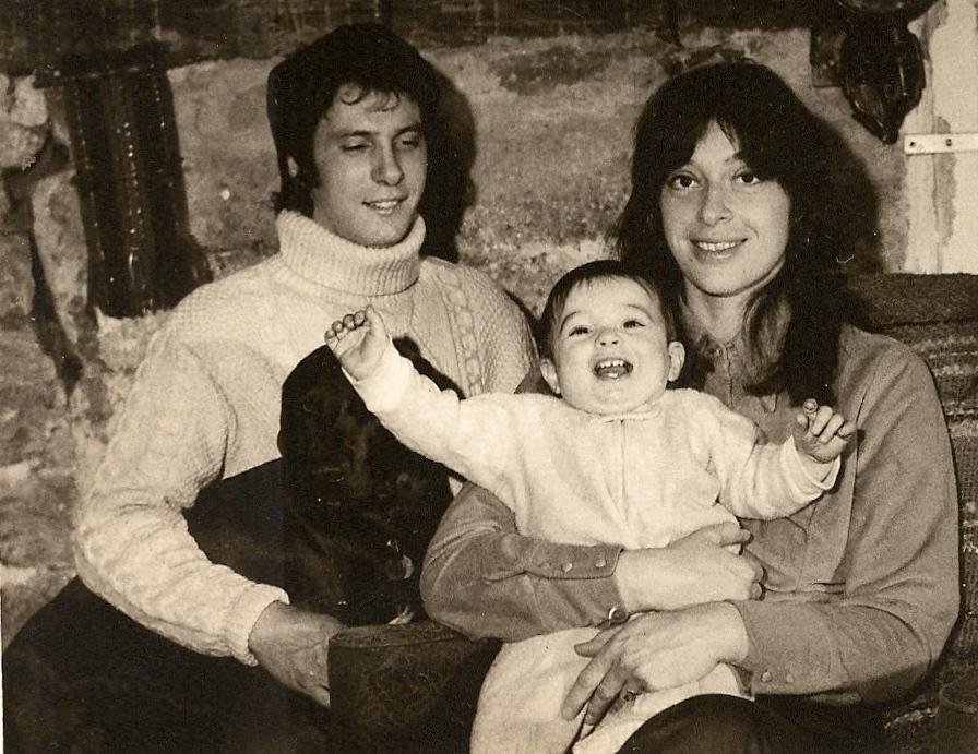 14. 1972 My family.jpg