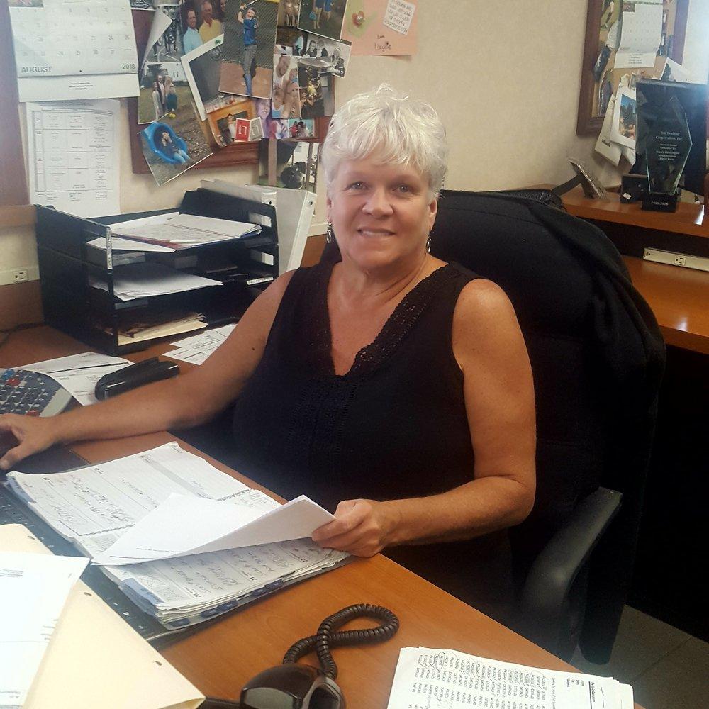 Debbie Canavan, Customer Service