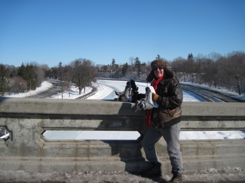 At noon today, the air was cold but the sun was warm.