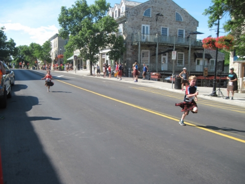 Races are held for kilted runners of all ages.
