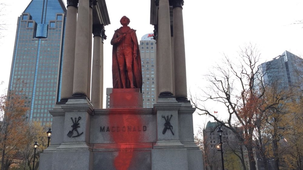 john-a-macdonald-statue.jpg