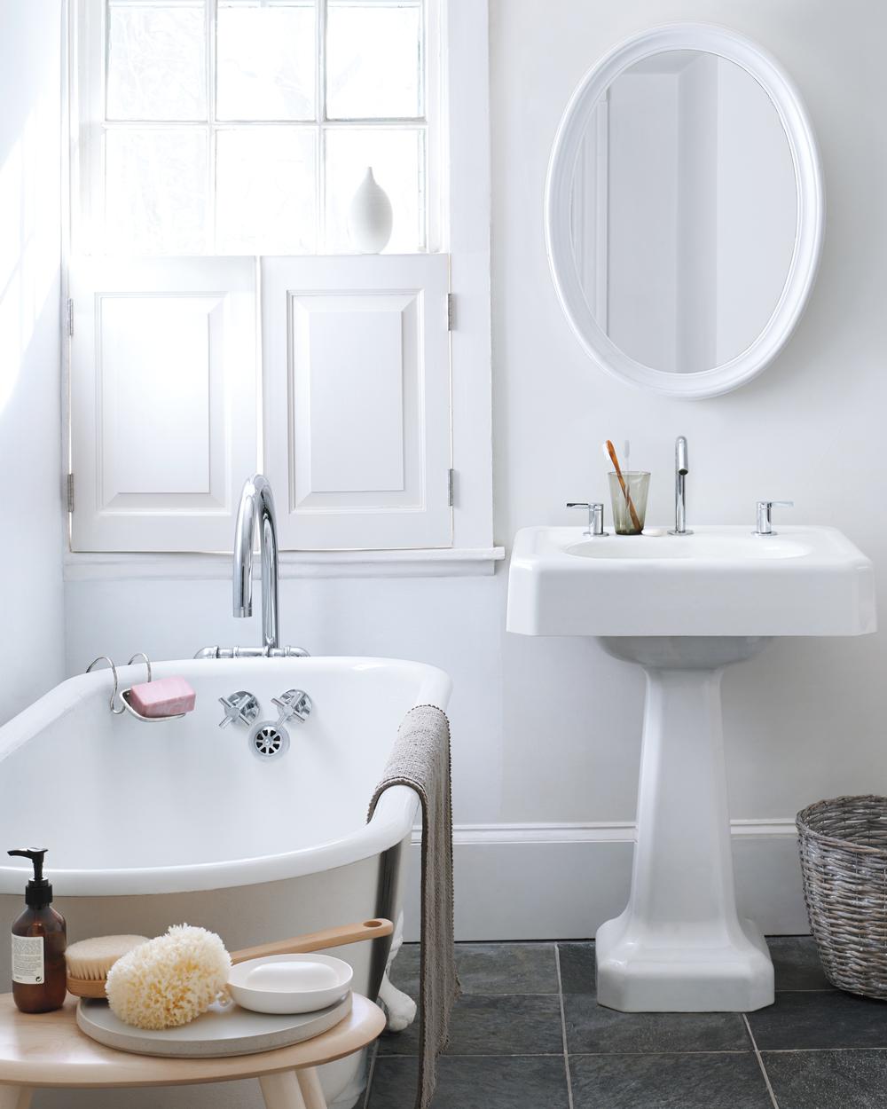 MLD110961-SpringCleaning-bathroom-033.jpg