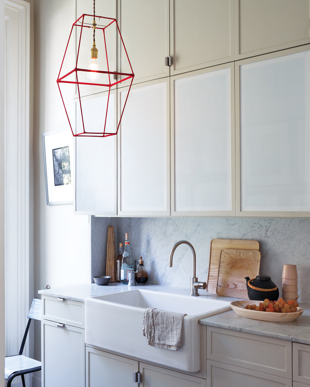 D110260-kitchen-redlamp-035-notowel.jpg