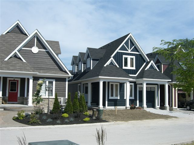 Lake Simcoe waterfront cottages