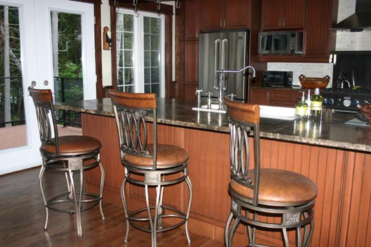 LAKE SIMCOE THROUGH THE KITCHEN 2.jpg