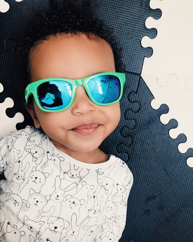 Springing Forward with a 🌟GIVEAWAY🌟for your minis! Now that the clocks are changed and we're going to see more sun 🌞; I am so excited to say that we partnered with @RealShades to giveaway ONE pair of shades to ONE very lucky winner! To enter:  1️⃣ Make sure you are following @RealShades and @PetitePlusOne  2️⃣ Tag as many friends as you can, each friend you tag is an entry for you! Share this post to your Instagram feed for 3 extra entries. The winner will be announced on Friday March 16th. 18+, USA only. This giveaway is in no way associated with Instagram. • • • #giveaway #momgiveaway #iggiveaway #contest #momcontest #giveaways #giveawaycontest #giveawaytime #instagramgiveaway #giveawayfree #freebabyitems #freemomstuff #freetomoms #callingallmoms #freestuff #realshades #petiteplusone