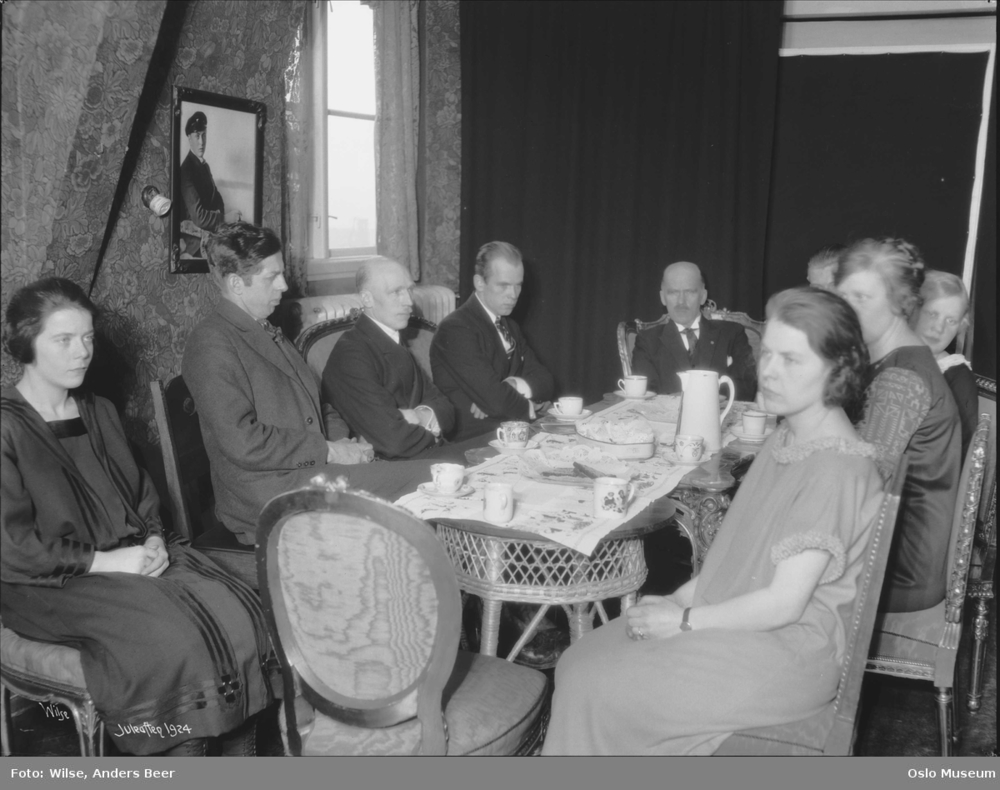 Julaften hos familien Wilse.  Foto: Anders Beer Wilse/Oslo Museum