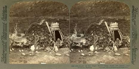 Stereoskopi. Samisk familie fra Troms. Produsert av Underwood & Underwood, 1902. Foto: Norsk Folkemuseum.