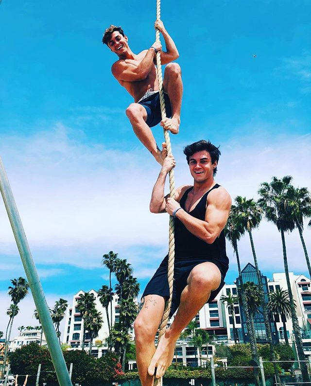 @graysondolan  @ethandolan  #dolantwins  #graysondolan #ethandolan #twinsofinstagram  #twinbrothers  #sexytwins  #fitness  #fitnessmotivation #workoutmotivation #youtubers #youtuberlife  #fashionmag  #i #❤️ #🤪