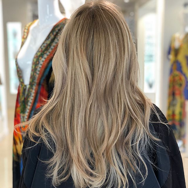 Full highlight, lowlight and color melting by Jeremy Borrego (@jeremybhair)🙅🏼‍♀️ swipe for #beforeandafter
