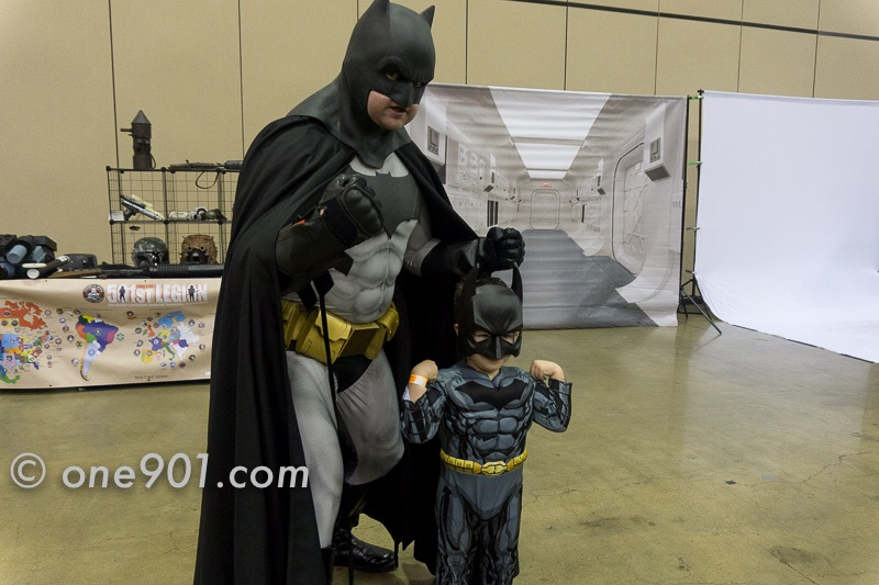 2 Batmen!! Who's the real one??