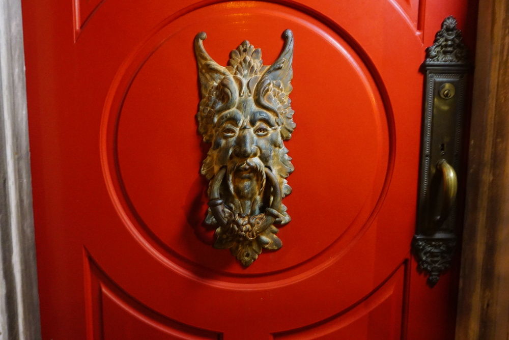 I found this door knocker very interesting.