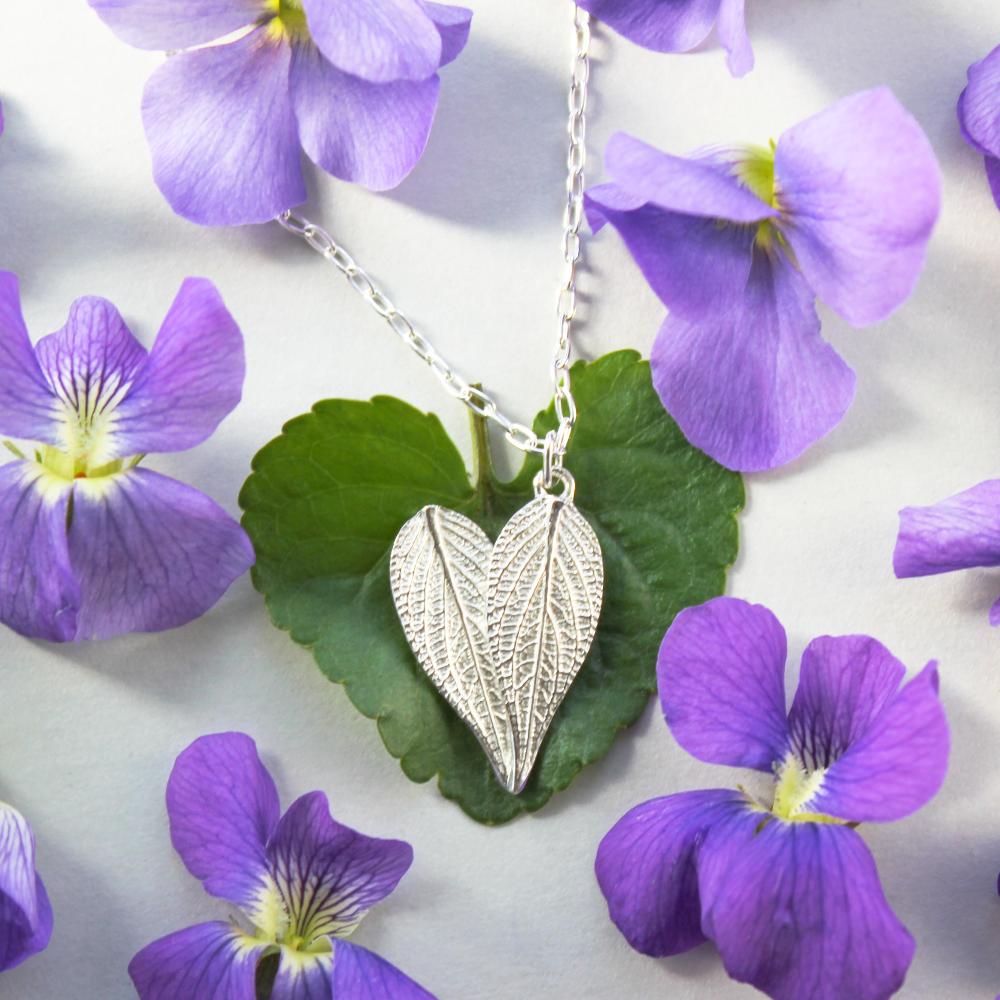 Sage Leaves Necklace (DaVine)