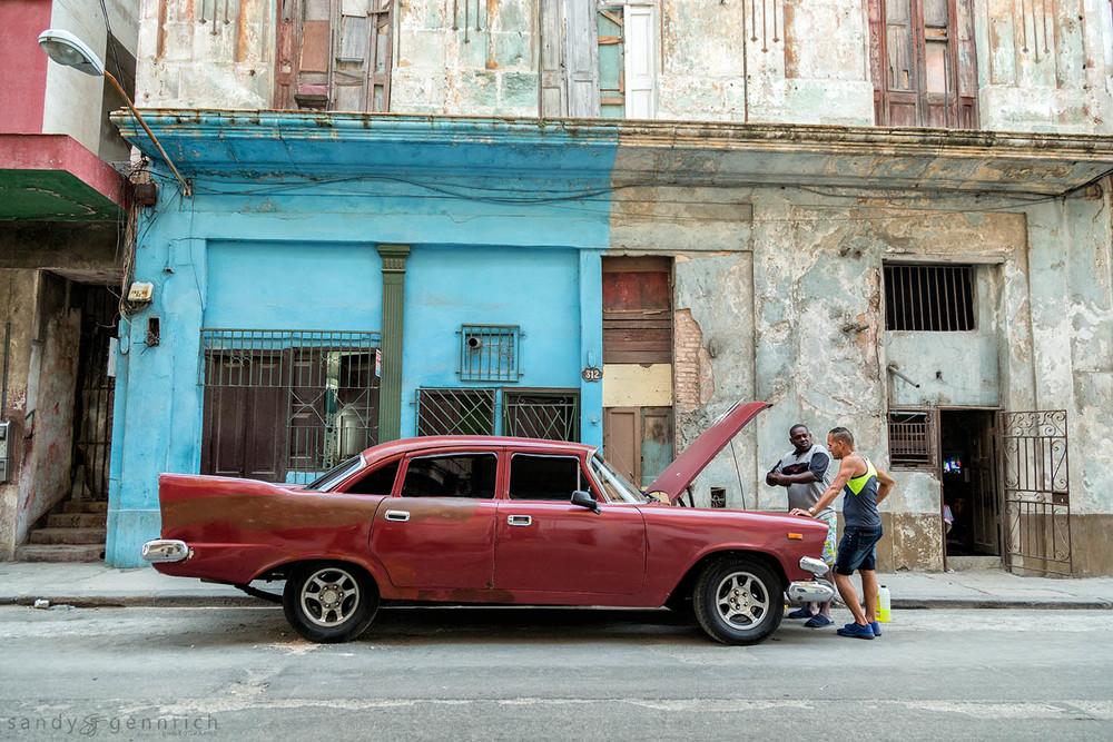 Car Talk-Cuba-Havana