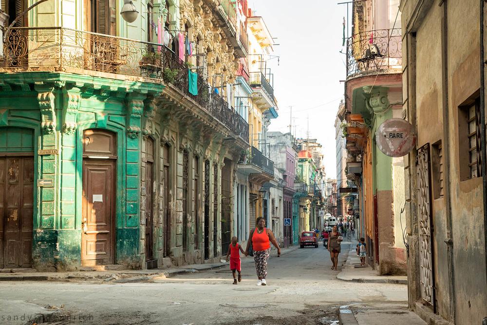 Morning in Havana-Cuba-Havana