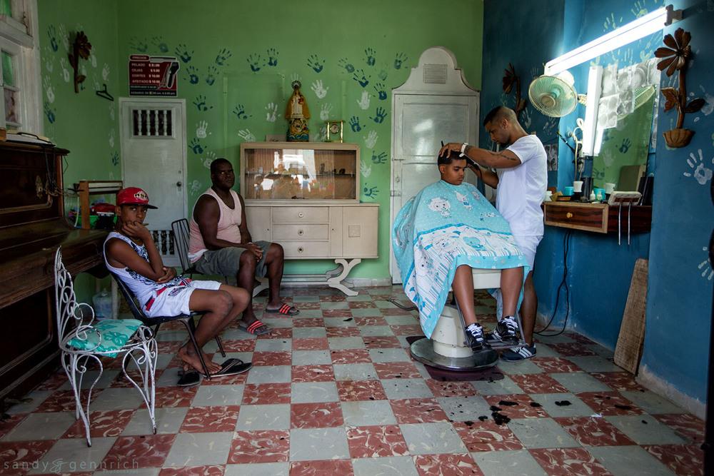 Hair Cut-Cuba-Havana