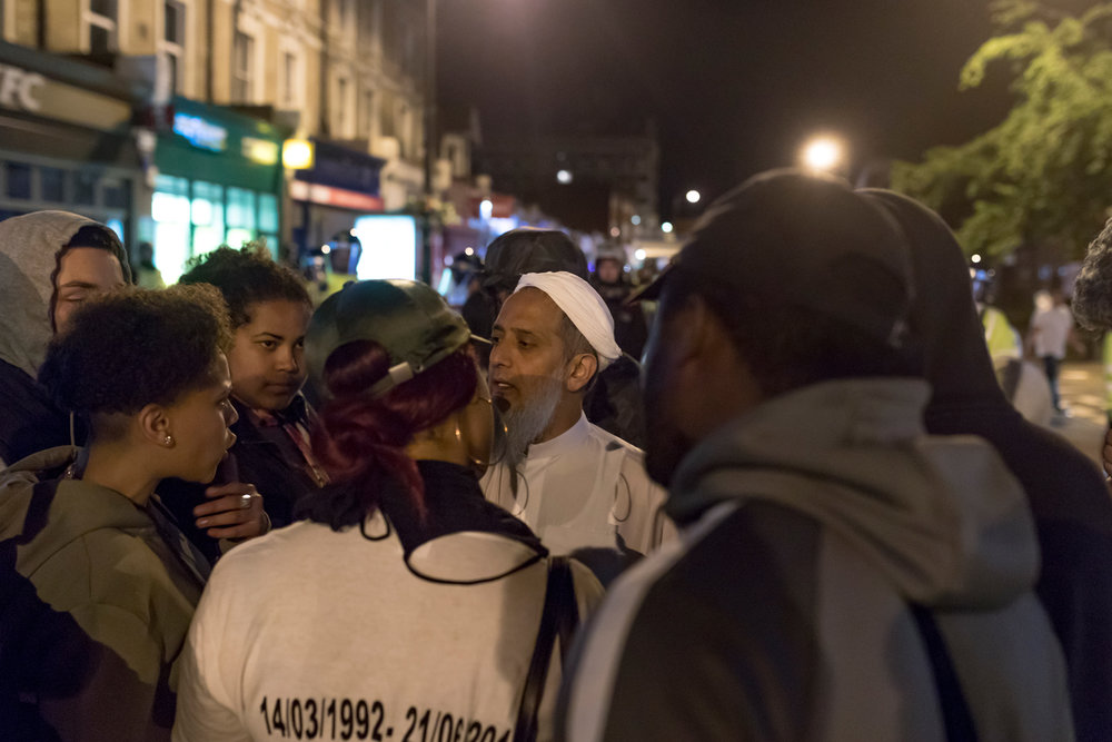 Demonstrators clashed with police in London over the death of Edir Frederico Da Costa, a 25 year old black man who passed away six day after being arrested officers. The police watchdog, used force and CS spray against Da Costa during his arrest.