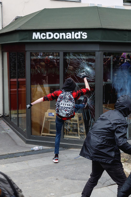 EdRobertson_Occipitals_ParisMayDayRiots_2018_47.jpg
