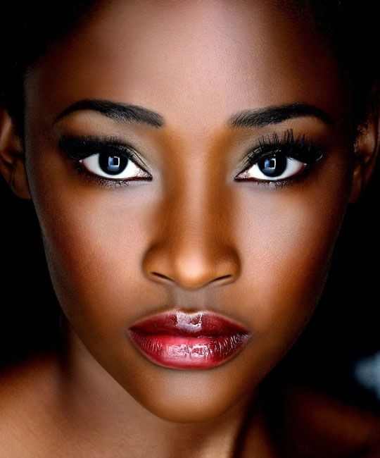 The lips are a glossy ombre to pull the look together. It's a romantic look you can sport for a date with your special someone.