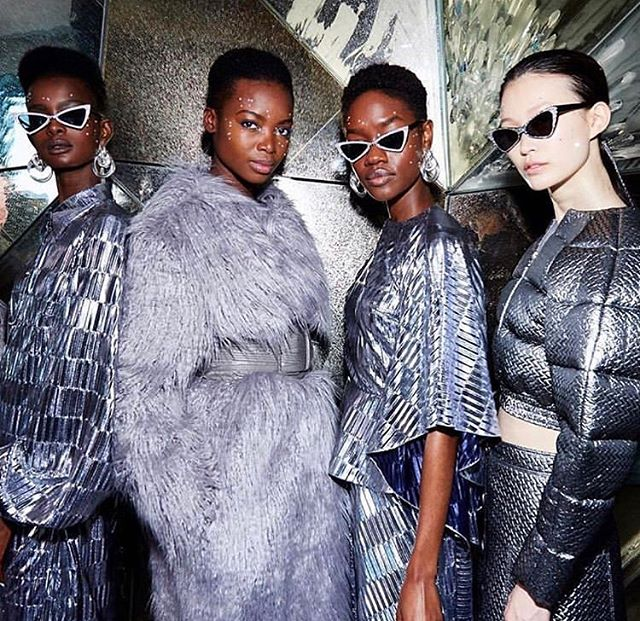 Experiencing FOMO? Don't worry we've got you covered! Fashion Week is in full swing and we're sharing with you a few of our favorite looks FW/19 collections from New York Fashion Week! Check out our stories to get an inside look 🤗