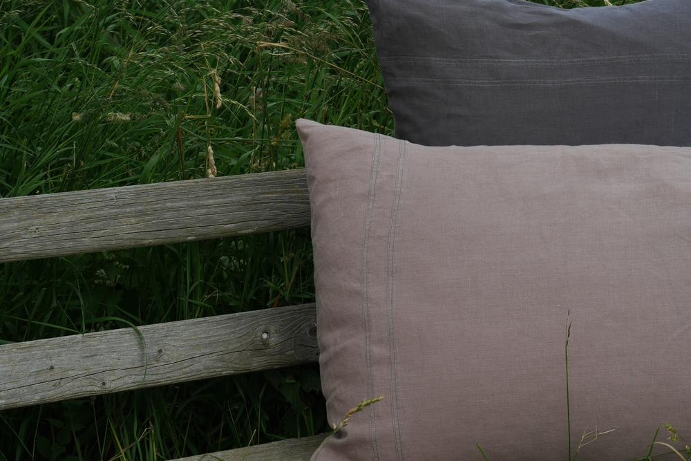 linen bedding1.JPG