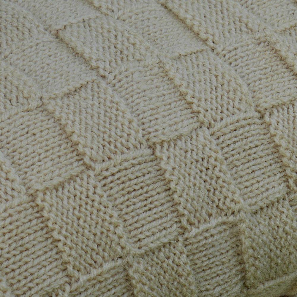 basket knit off white close-up.jpg