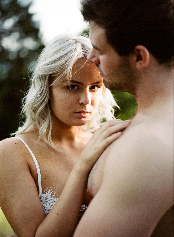 couple_boudoir_lafemme-16.jpg