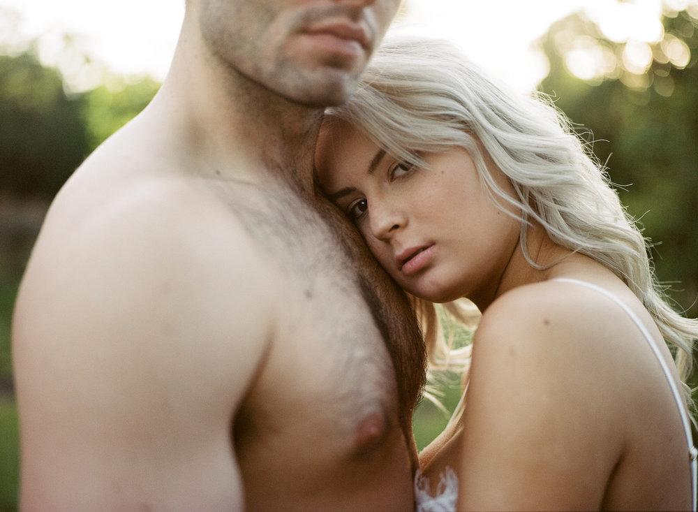couple_boudoir_lafemme-24.jpg