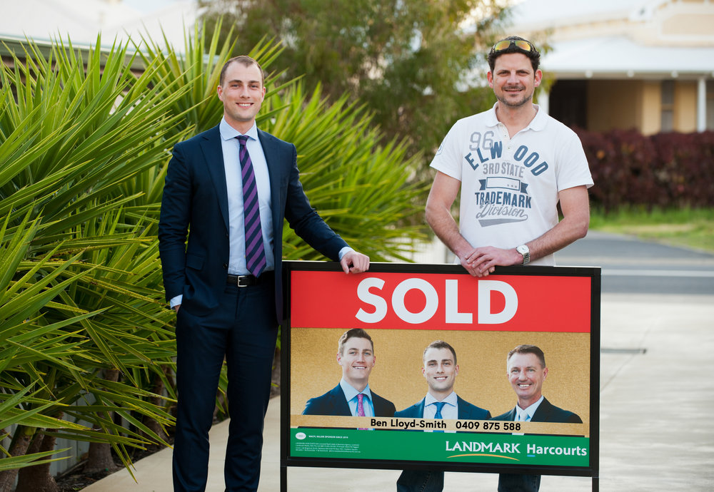 When it came time to sell our house, The Agents Lloyd-Smith came highly recommended from close friends of ours and after successfully selling our property I have no hesitation in passing along that same helpful advice to any others who may be looking to sell their own property.     During the process, we dealt mostly with Ben who was very professional and helpful throughout the entire experience.     Communication was exceptional and always prompt and polite leading to a successful outcome. It certainly felt like our property was in good hands at every step of the way.     Travis Italiano