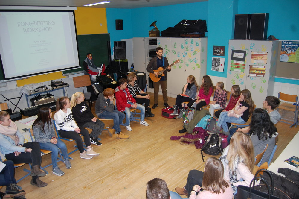 Teaching songwriting and lyric writing techniques at the Bundesrealgymnasium (BRG) in Spittal/Drau, Austria.