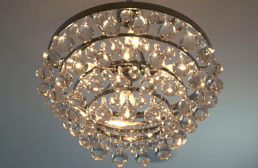 Contemporary-Victorian-Bathroom-Chandelier.jpg