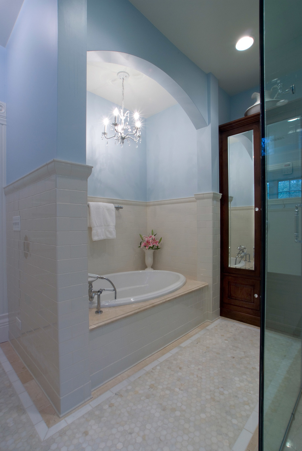 Elegant-Bathroom-Retreat-Tub.jpg