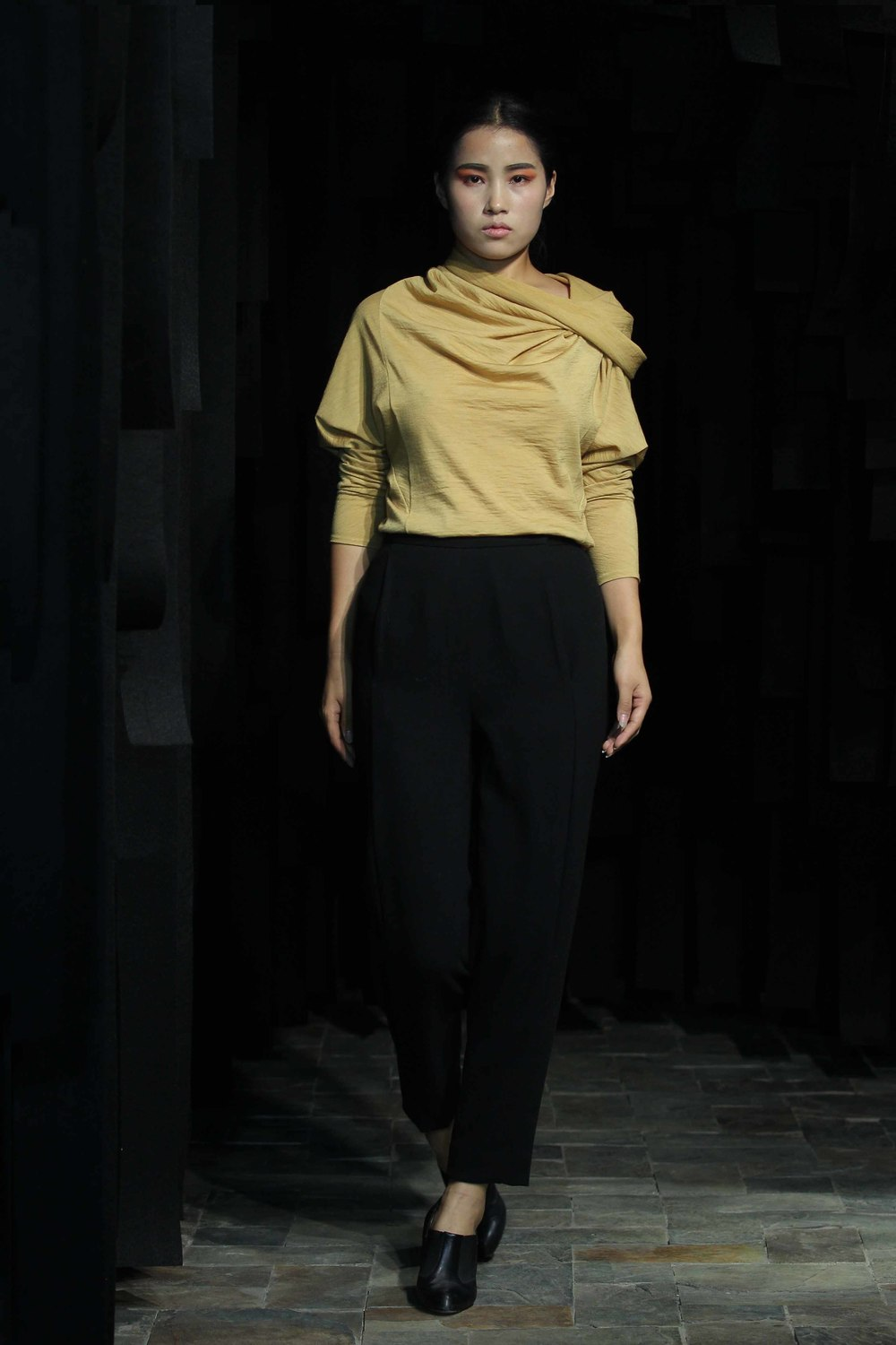 Natural hand-dyed woolen jersey top with tubular collar // black woolen pants