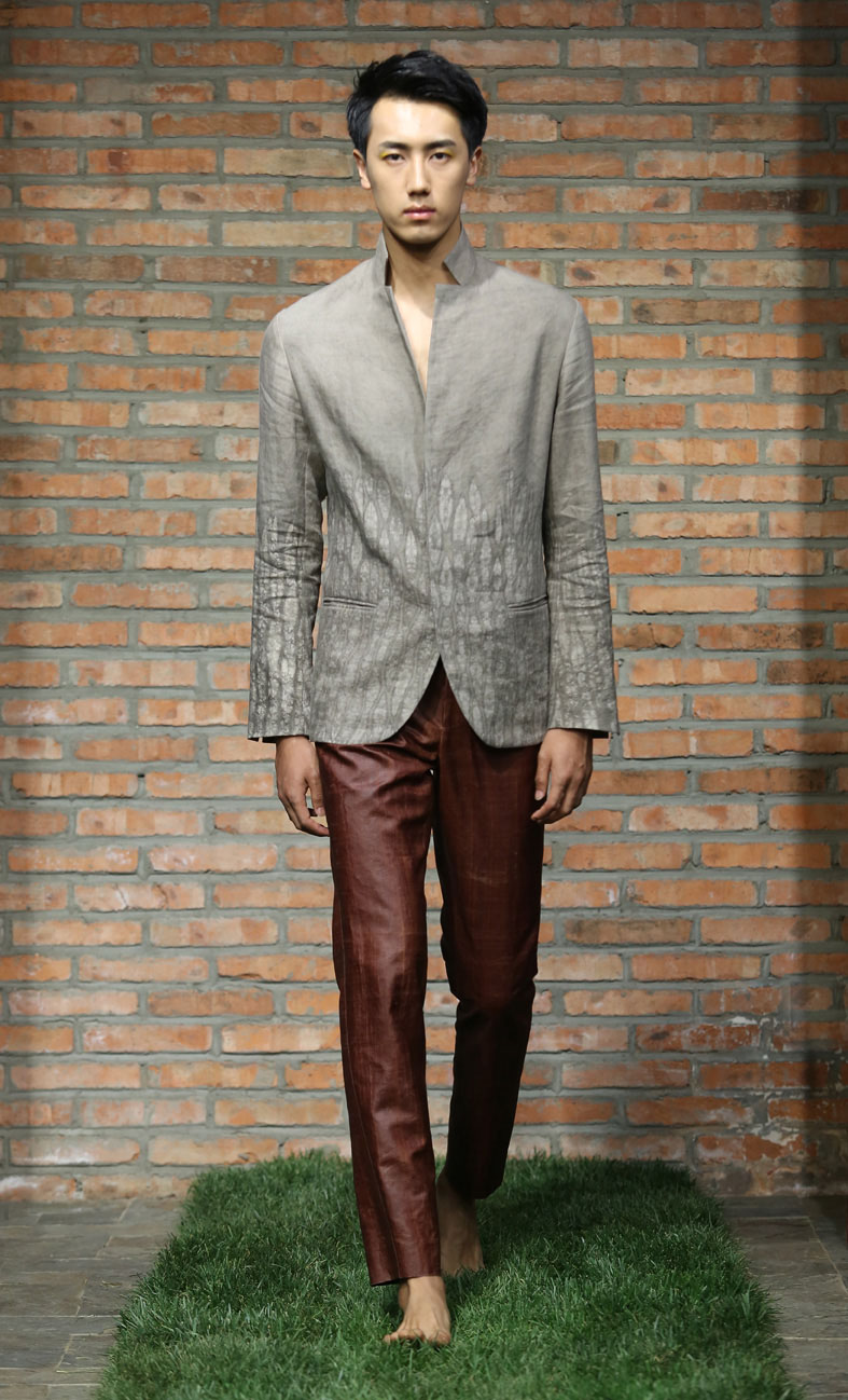 Men's iron Shibori-dyed silk-linen blazer // cinnamon tea-silk spiral-cut pants
