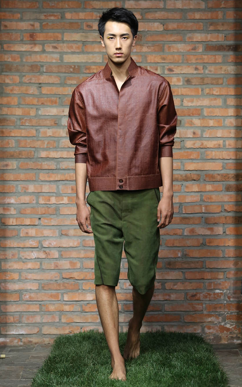 Cinnamon tea-silk men's blouson // green tea-silk spiral-cut shorts