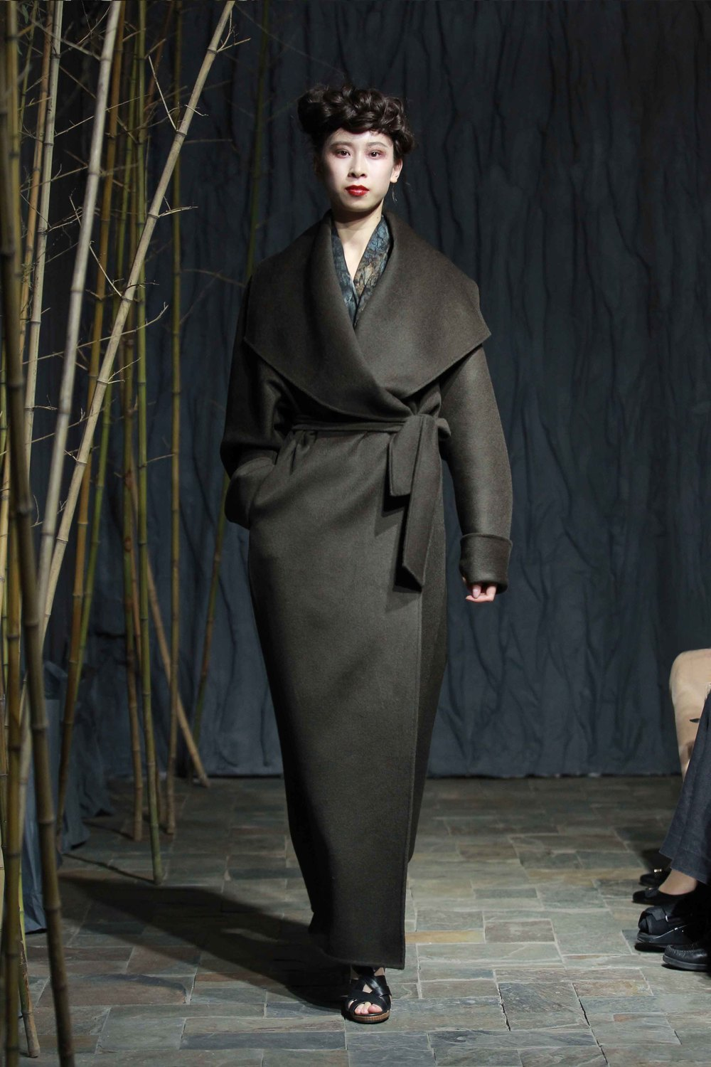 Generous forest-green double-faced coat with belt // printed silk chiffon scarf