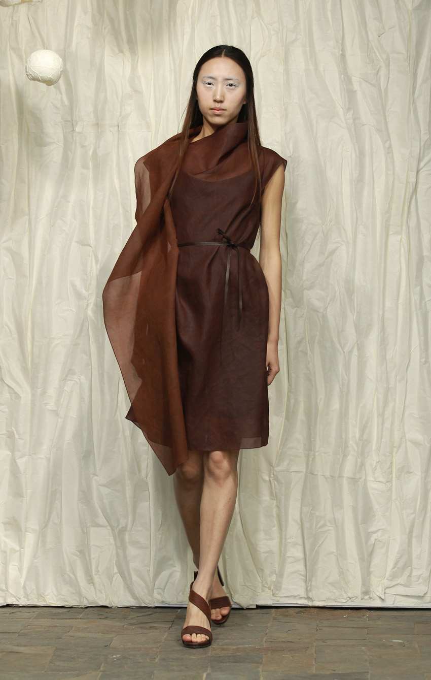 Red tea silk organza drape dress with thin leather belt