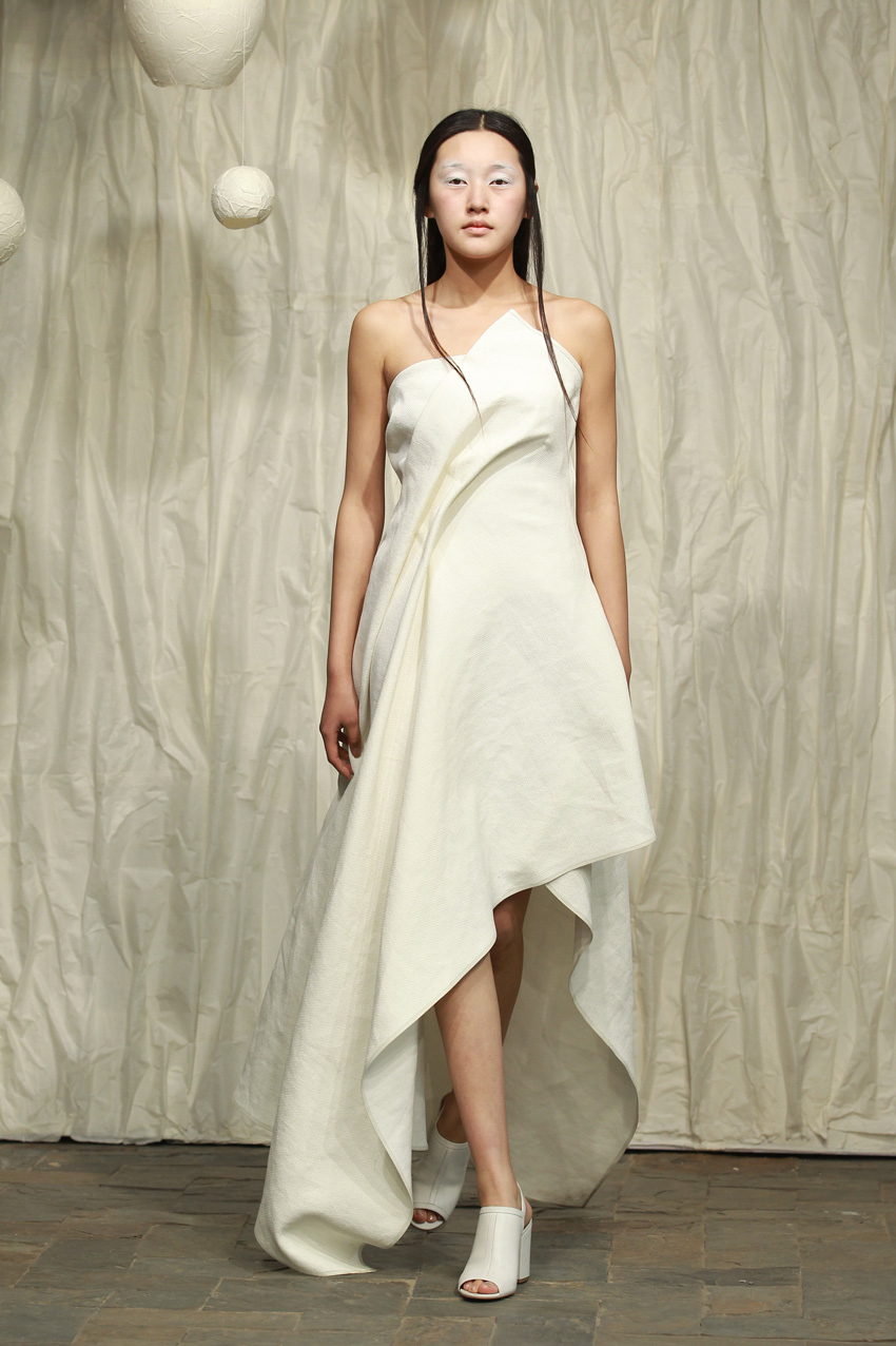 White washi wedding dress