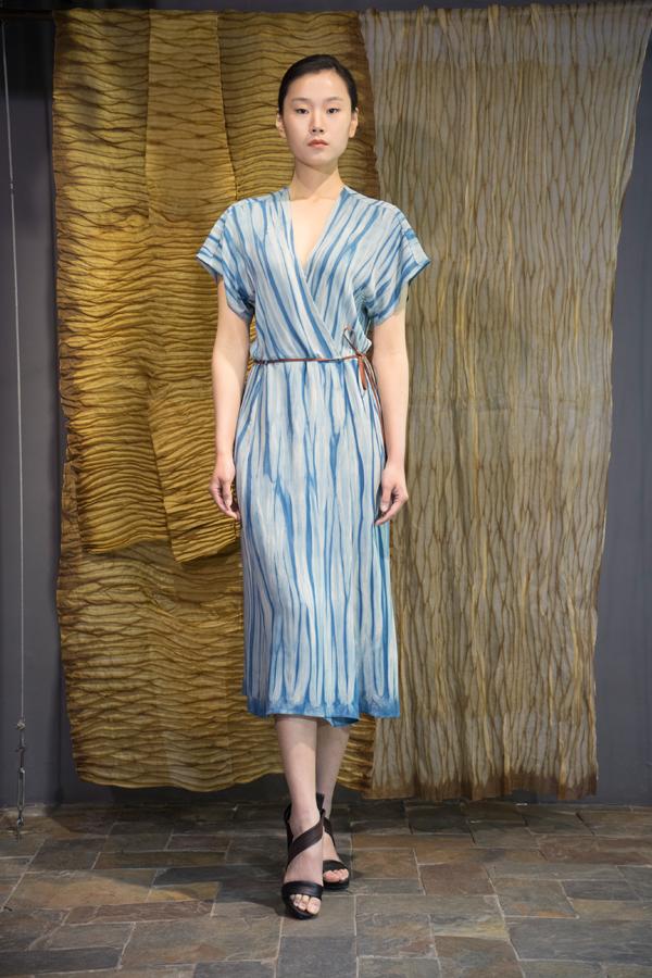 28-12 Natural indigo dyed silk crepe dress / 靛蓝手工染色真丝绸连衣裙