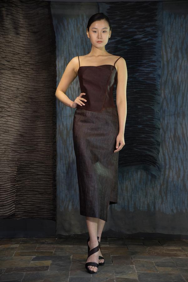 28-06 Red Tea-Silk top / Iron rust treated Tea-Silk skirt / 红芸纱吊带衫 / 铁锈处理红芸纱不对称半身裙